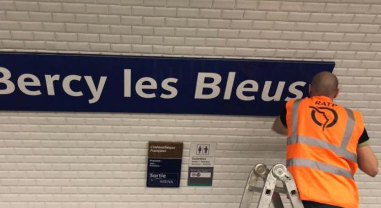 Metrô de Paris troca o nome de estações em homenagem a Seleção.