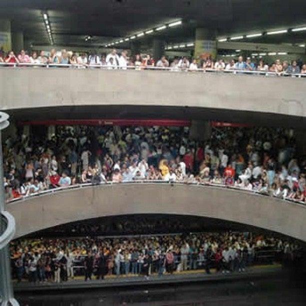 Estações Lotadas - Metro SP